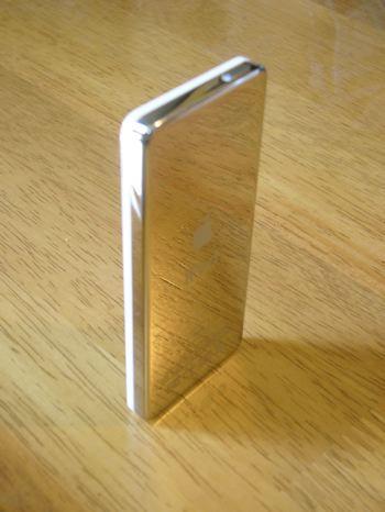 iPod_nano_standing_back
