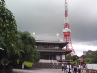 増上寺と東京タワーの並びがカッコいい